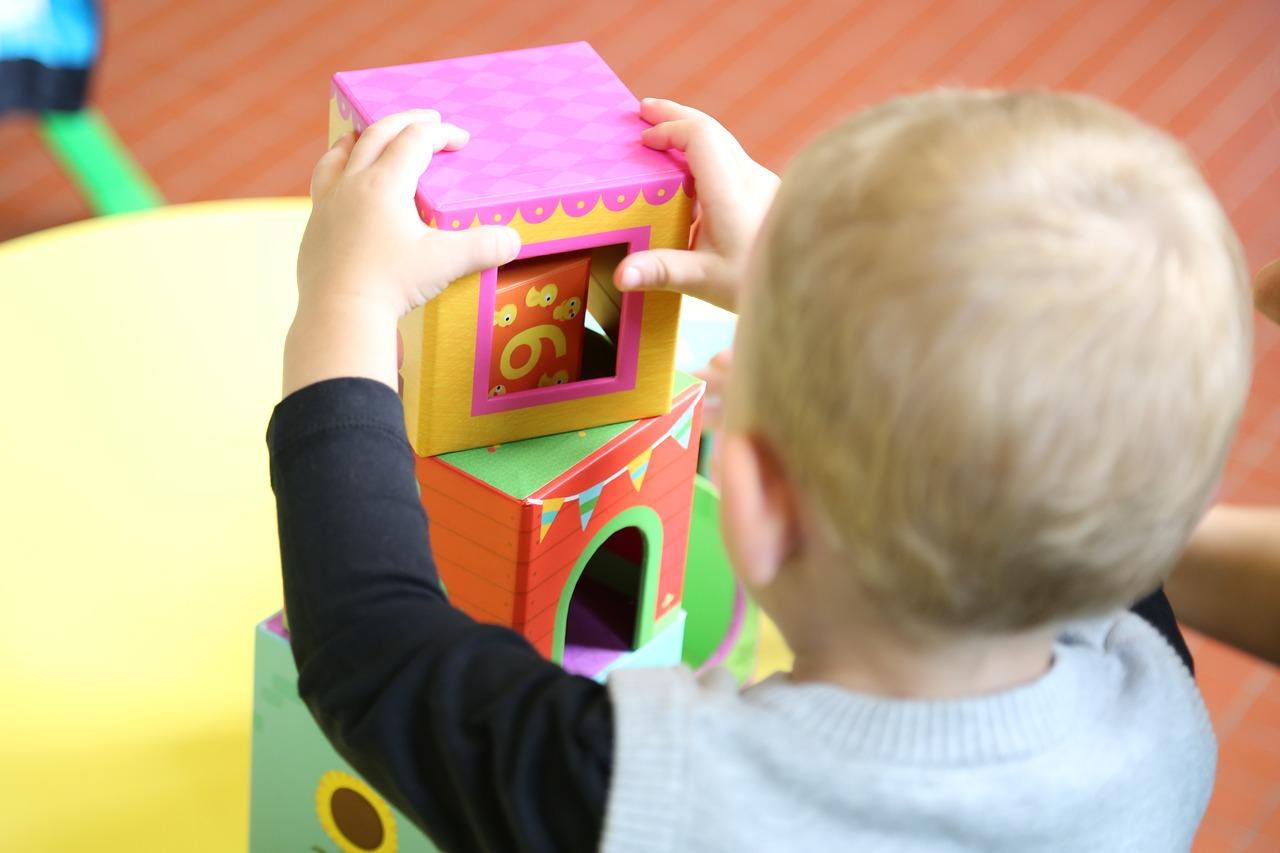 1歳半の子供の遊びって?保育園を参考に室内・外遊び13パターンをご紹介!